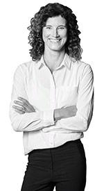 Nicola Wolfram, Accounting